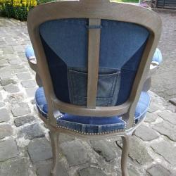 Vue de dos fauteuil cabriolet