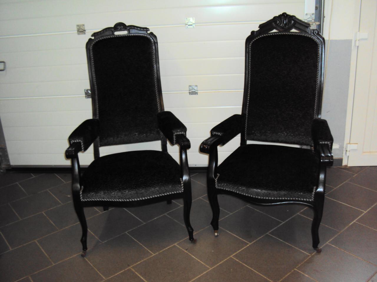 Paire de fauteuils Voltaire
